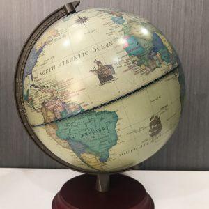 Bola del mundo con base de madera