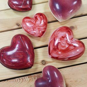 Corazón de chocolate rellena de grageas