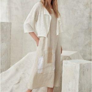 Vestido de lino en color claro de CREA CONCEPT