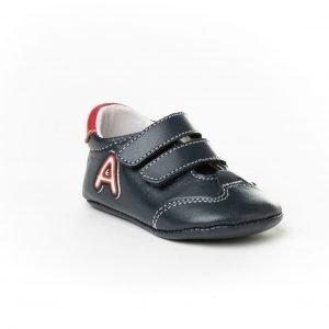 Angelitos, deportiva, sin suela y con puntera reforzada, en azul marino con detalles rojos y blancos
