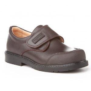 Angelitos, zapatos colegiales de piel, color marrón chocolate, con cierre de velcro y puntera reforzada