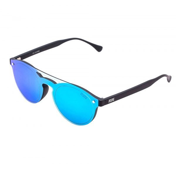 Gafas de sol con cristales azules